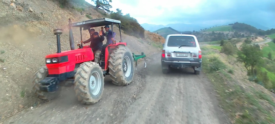 Nom:  Tractor-2-e1542133197322.jpg Visites: 66 Mida: 128,8 KB